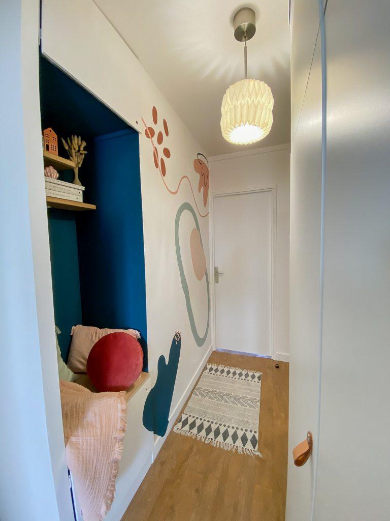 fresque-murale-entree-appartement-parisien